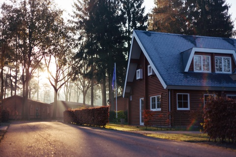 grass-architecture-wood-sunshine-lawn-house-655287-pxhere.com (1)